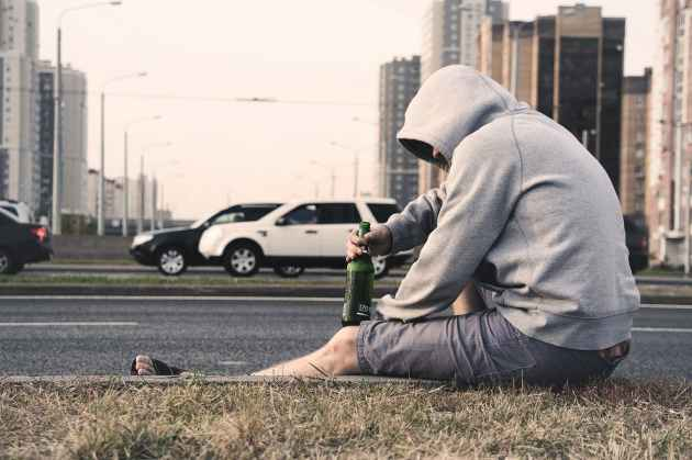 Lentezza della gente ubriaca